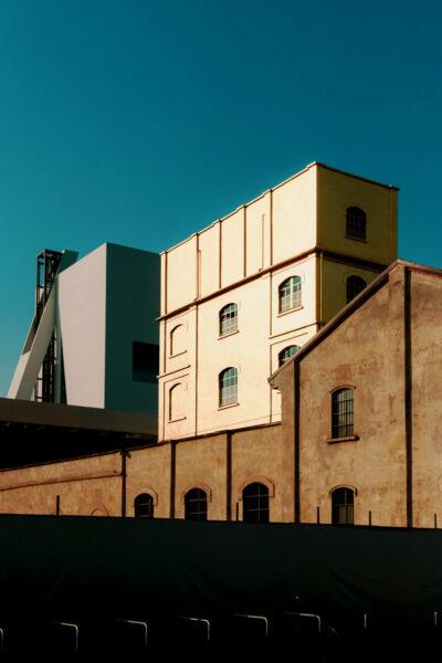 Fondazione Prada, progettata dallo studio di architettura OMA, guidato da Rem Koolhaas-Largo Isarco 2